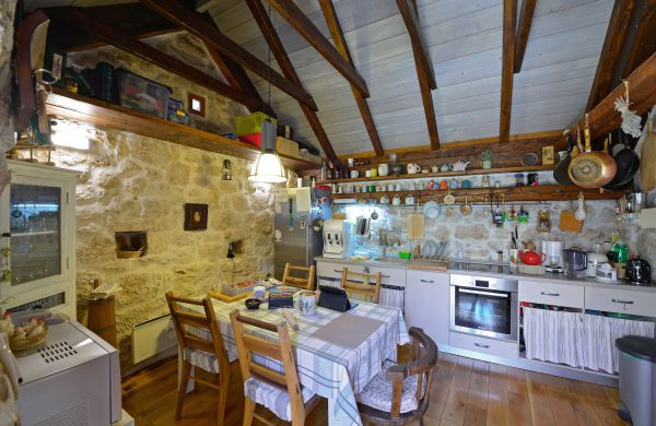 eco villa kitchen